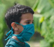 Карантинные новинки iHerb: медицинские маски, санитайзеры и черные нано-маски